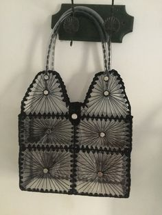 Bag Making, Making Out, Crochet Christmas Gifts, Bottle Bag, Craft Bags, Card Sketches, Plastic Bottles, Crochet Bikini, Recycling
