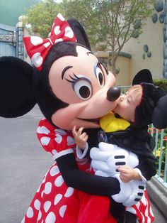 Taking Toddlers to Disneyland: Everything You Need to Know! And I mean EVERYTHING! Pin this now for future reference.