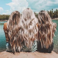 Think Your Hair Can't Be Tamed? Everyone wants to have great looking hair, as a good set of locks can completely transform a person's appearance. Everyone strives to have a healthier and Hair Inspo, Hair Inspiration, Blonde Curly Hair, Beach Blonde Hair, Mermaid Hair, Dream Hair, Balayage Hair, Honey Balayage, Hair Dos