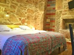Habitación doble superior. Bed, Furniture, Home Decor, Double Bedroom, Buildings, Homemade Home Decor, Stream Bed, Home Furnishings, Interior Design