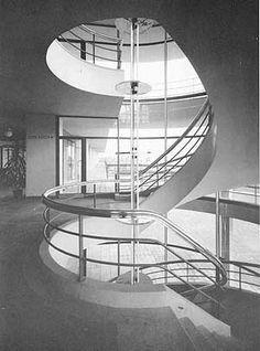 Erich Mendelsohn: The Einstein Tower, Potsdam (Germany 1917-1921) - Staircase