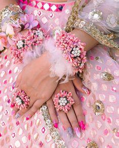 Where To Shop Floral Jewellery In Delhi? Bridal Bangles, Wedding Jewelry, Wedding Chura, Bridal Chura, Wedding Hair, Bridal Hair, Flower Jewellery For Mehndi, Flower Jewelry, Diamond Jewellery