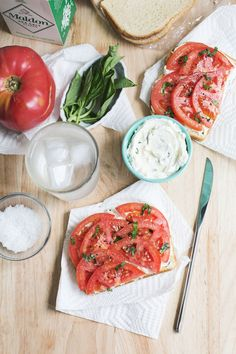 Tomato, basil and cream cheese sandwich