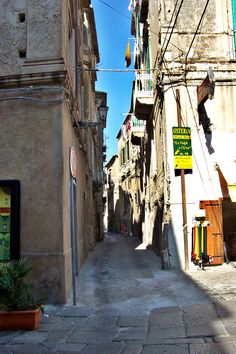 Streets of Tropea, Calabria, Italy Reggio Calabria, Calabria Italy, Ancient Ruins, Park City, Italy Travel, Places Ive Been, Places To Visit, Provence, Travel