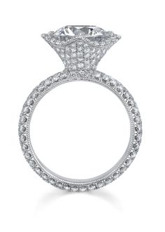 Katharine James Side View of Sweet Juliet platinum and diamond engagement ring. Available at Oster Jewelers. #MyBridalStyle #MyDiamondStyle