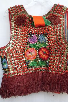 Embroidered bodice (back view), village of Zielonki, Kraków regional costume. Source: Izba Regionalna w Zielonkach. Folk Costume, Costumes, Folk Clothing, Folk Dance, Embroidered Clothes, Traditional Fashion, Russian Fashion, Mode Vintage, Couture Dresses