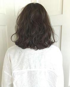 Medium Hair Cuts, Medium Hair Styles, Curly Hair Styles, Spring Hairstyles, Short Bob Hairstyles, Hair Inspo, Hair Inspiration, Shot Hair Styles, Short Wavy Hair
