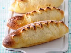 Recette pain au lait Thermomix Pain Thermomix, Hot Dog Buns, Hot Dogs, Flan, Biscuits, Bread, Robot, Connect, Jars