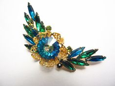 Vintage Juliana D&E Juliana Brooch Aqua by darsjewelrybox on Etsy