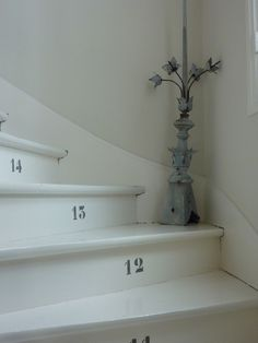Been living in same house for 24 years, counted the stairs endless times, yet still forget how many there are. Entry Stairs, Entry Hallway, House Stairs, Carpet Stairs, Painted Stairs, Painted Wood, Shabby, Stairway To Heaven, Diy Interior