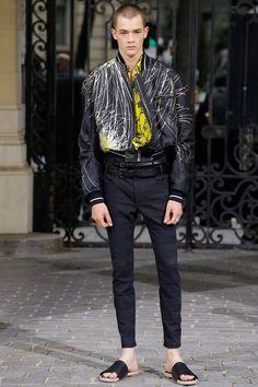 http://www.vogue.com/fashion-shows/spring-2017-menswear/haider-ackermann/slideshow/collection