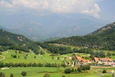 Golf de Falgos, Pyrénées-Orientales, Occitanie, France. Vidéo aérienne sur FlyOverGreen / Aerial video on FlyOverGreen