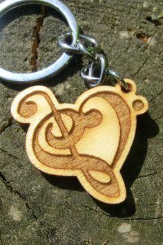 Holz Schlüsselanhänger für Musiker, Musik Bestellen auf hoizliebe.at Personalized Items, Laser Engraving, Musicians, Timber Wood, Schmuck