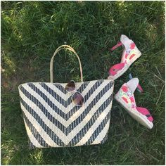 """Beautiful Woven Pandan Fiber Zipper Top Tote Bag Lightweight & lined.Has a tailors' chalk mark on the zipper & may have imperfections on the weave/bag.Made by communities affected by Typhoon Haiyan in the 🇵🇭.HP @mrsmadariaga  Approx measurements:  H:12"""" x L:12.5"""" x W: 5.25"""".Strap drop:8.75""""  Ask ALL questions before buying,sales are final.I try to describe the items I sell as accurately as I can but if I missed something, please let me know FIRST so we can resolve it before leaving…"""