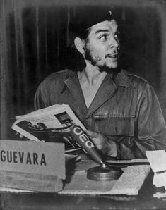 Ernesto Rafael Guevara de la Serna commonly known as Che Guevara gives a press conference Photograph Um 1955 [Ernesto Rafael Guevara de la Serna...
