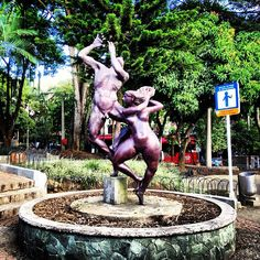"""See 1090 photos and 164 tips from 11322 visitors to Parque Lleras. """"Best place to be is Parque Lleras, everybody is Welcome to Medellin! Four Square, Garden Sculpture, Photos, Places, Outdoor Decor, Parks, Cities, Sagrada Familia, Dios"""