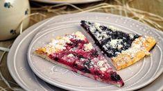 Na koláče můžete použít také meruňkovou nebo hruškovou marmeládu, mražené borůvky nebo rybíz (ovoce je dobré obalit v cukru moučka, aby nebyl koláč po upečení k