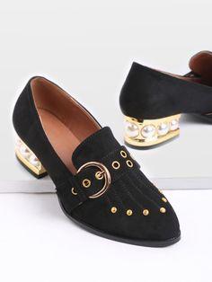 Zapatos con detalle de tachuelas diseño de de perla y hebilla - negro