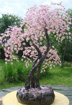 Boncuk işi Bonsai Art, Bonsai Plants, Seed Bead Art, Seed Beads, Copper Wire Art, French Beaded Flowers, Wire Trees, Tree Sculpture, Flowering Trees