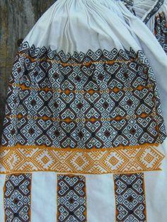 Colectia etnografica Daciana Ungureanu - Romanian blouse. Ie. Altita, incret, riuri. Folk Art, Textiles, Traditional, Costumes, Knitting, Blouse, Shirts, Fashion, Moda