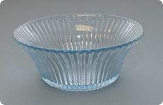 Sverre Pettersen for Høvik Glass and Hadeland Glass, DigitaltMuseum Knitting Designs, Decorative Bowls, Scandinavian, Glass Art, Pottery, Retro, Tableware, Norway, Vases