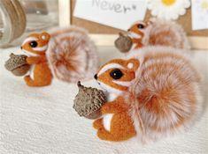 Squirrel Felting Kit Needle Felting Kit Squirrel Felting | Etsy Beginner Felting, Cute Squirrel, Needle Felting Kits, Starter Kit, Cool Watches, Wool Felt, Make It Yourself, Sewing, Knitting