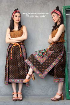Batik Amarillis journey began in as time flies we receive lots of love and appreciation from our customers especially for our unique craftmanship. Look Fashion, Unique Fashion, Outer Batik, Washi Dress, Quilted Skirt, Amarillis, Batik Fashion, African Traditional Dresses, Batik Dress