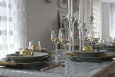 alter Weihnachtsschmuck Gold Kugel dekorieren
