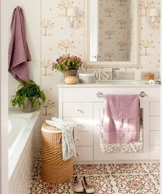 Consider this significant picture and also take a look at the presented ideas on Lavender Bathroom Decor Bathroom Colors, Small Bathroom, Coral Bathroom, Home Interior, Interior Design Living Room, Lavender Bathroom, Stairs In Living Room, Walk In Shower Designs, Cheap Bathrooms