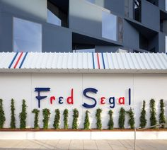 Fred Segal's Sunset Strip Boutique by Brand Studio Embodies California Dreamin' Hollywood Theater, Madchen Amick, Holiday Pops, Old Room, Sunset Strip, Luxury Services, California Dreamin', Queen, Architecture Details
