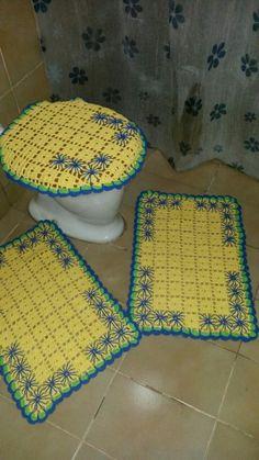 Jogo de banheiro com  bordado