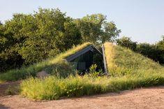 underground homes | underground house Underground House Encased in Glass Offers a Modern ...