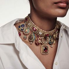 Indian Jewelry Earrings, Indian Jewelry Sets, Jewelry Design Earrings, India Jewelry, Beaded Jewelry, Jewelry Necklaces, Buy Jewellery Online, Fancy Jewellery, Gold Jewellery Design