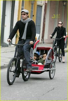 Celebrities on Bikes: Brad Pitt riding a bike with his kids