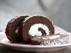 Kakaová roláda s tvarohovou náplňou (zdroj: Tortyodmamy. Dessert Recipes, Desserts, Cheesecake, Muffin, Sweets, Baking, Breakfast, Food, Quilling