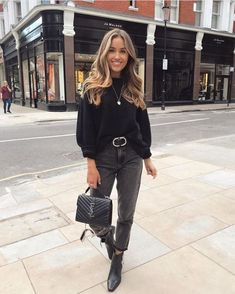 winter outfits street style All black outfit for fall and winter All Black Outfits For Women, Black And White Outfit, Winter Outfits For Teen Girls, Winter Fashion Outfits, White Outfits, Fall Winter Outfits, Look Fashion, Autumn Winter Fashion, Clothes For Women
