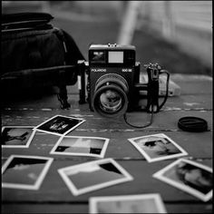 Black and White Vintage Photography: Take Photos Like A Pro With These Easy Tips – Black and White Photography Black And White Picture Wall, Black And White Pictures, Black White, Gray Aesthetic, Black And White Aesthetic, Aesthetic Grunge, Aesthetic Vintage, Dslr Photography Tips, Vintage Photography
