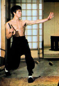 Bridge Pose, Yoga Bridge, Bruce Lee Chuck Norris, Dragon Fight, Bruce Lee Martial Arts, Bruce Lee Photos, Ju Jitsu, Martial Arts Movies, Brandon Lee