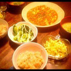 野菜多めで。 - 2件のもぐもぐ - 麻婆豆腐とサラダとお味噌汁 by toki69