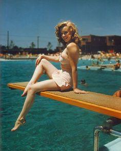 """Historical Pics on Twitter: """"Marilyn Monroe at Jones Beach, 1949 https://t.co/6R7NjInDG2"""""""