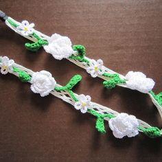 白い花のヘアバンド