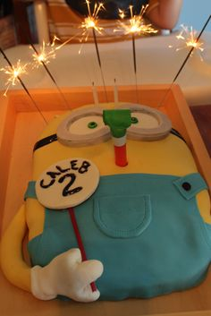 Despicable Me Minion cake with sparklers for hair! Turned out awesome!, please re-pin!