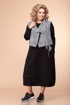 Колекция одежды для полных женщин белорусского бренда Romanovich Fashion Style осень-зима 2019-2020 Simple Dresses, Casual Dresses, Fashion Dresses, Big Size Dress, Over 50 Womens Fashion, Colored Denim, Blouses For Women, Plus Size, How To Wear