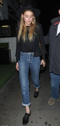 Amber Heard ditches Hollywood glamour for cardigan, T-shirt and jeans #dailymail