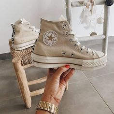 Dr Shoes, Swag Shoes, Nike Air Shoes, Hype Shoes, Me Too Shoes, Jordan Shoes Girls, Girls Shoes, Mode Converse, Sneakers Fashion