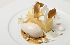 Lemon meringue pie with pine nut ice cream - Simon Haigh Top chef Simon Haigh is known for his wonderfully creative desserts. In this lemon meringue pie recipe pine nut ice cream adds a surprising delight Weight Watcher Desserts, Pie Recipes, Dessert Recipes, Lemon Ice Cream, Great British Chefs, Low Carb Dessert, Creative Desserts, Lemon Meringue Pie, Sweet Pastries