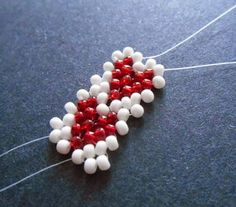 Free beading jewelry making tutorial: Valentine Heart Potawatomi Chain Stitch