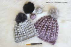Use this free bobble beanie crochet pattern to create an adorable crochet hat for anyone on your gift list. Cozy and warm, it's the perfect winter hat.