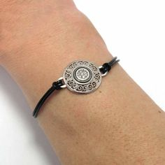 Saint Valentin´s gifts. Nice price and tax-free. Bracelet made of silver, leather and circonites following traditional methods. Crafts from the Way of Saint James. $34.90