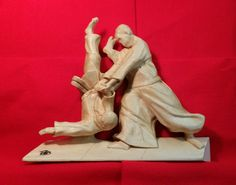 A Yoshinkan Aikido Technique. Wood Carving Faces, Wood Carving Designs, Wood Carving Tools, Aikido Techniques, Sculptures For Sale, Wood Texture, Pose Reference, Wood Art, Wood Crafts